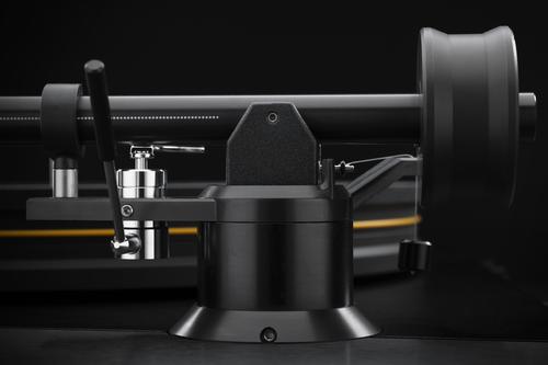 Mobile Fidelity UltraDeck Tonearm Detail