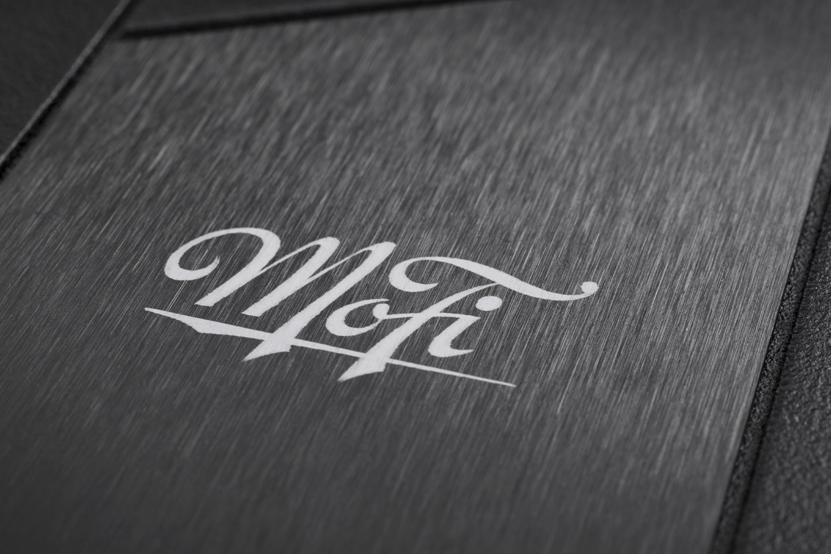 Mobile Fidelity StudioDeck Plate Detail
