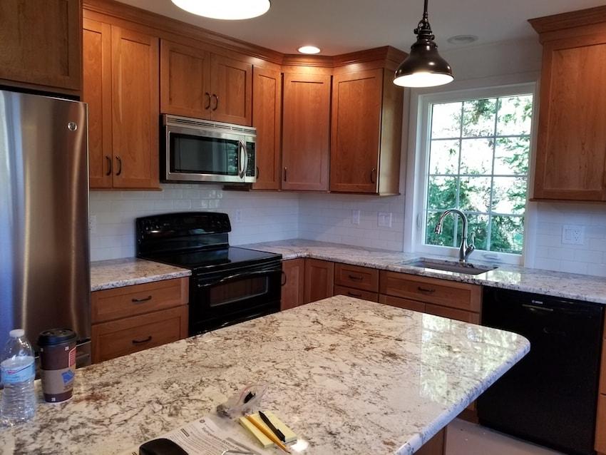 brandon-alderfer-kitchen-backsplash-subway-tile-2-d-_-s-flooring-min.jpg