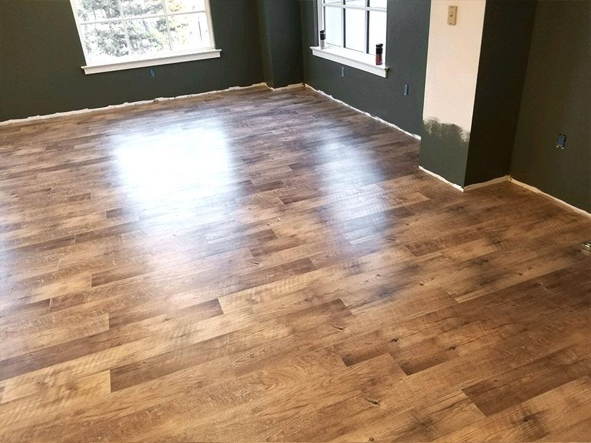 josh-plank-sight-and-sound-mannington-adura-LVP-2-mailchimp-web-january-2018-edit-d-&-s-flooring.jpg