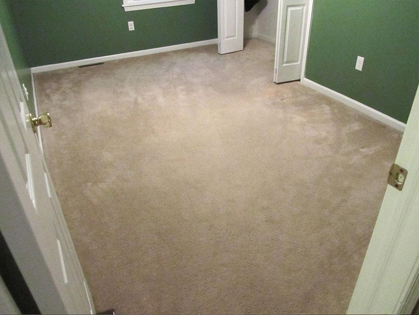 mike-marinari-kulick-lvp-3-before-d-&-s-flooring.jpg