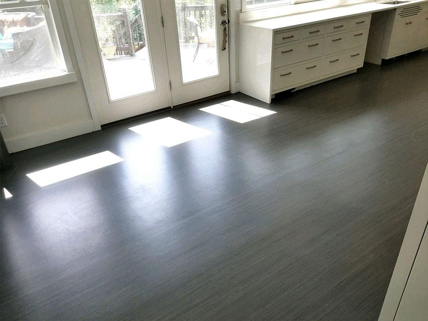 josh-plank-armstrong-linoleum-mailchimp-web-7-jen-reimer-jim-martin-d-&-s-flooring-min.jpg
