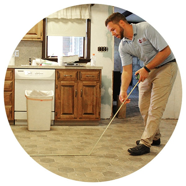 josh-tangert-free-in-home-measurement-d-&-s-flooring-min.jpg