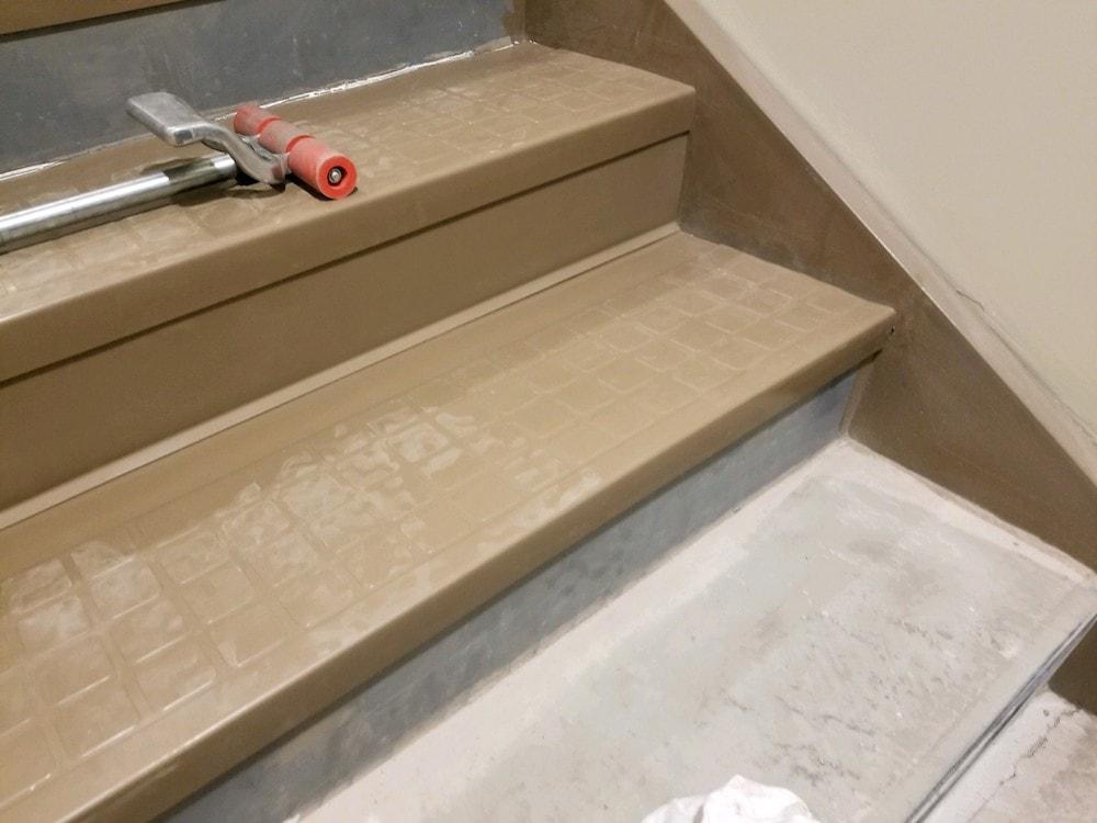 20180519_100125-josh-plank-woodcrest-retreat-vinyl-stair-treads-d&s-flooring copy-min.jpg