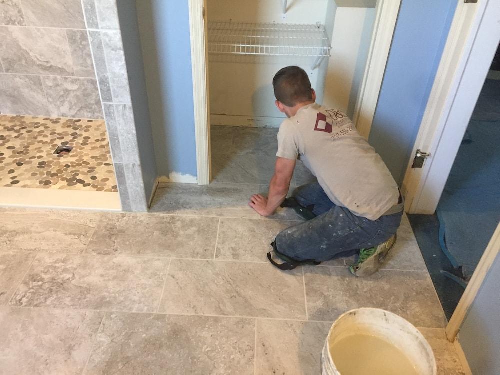 jordan-weaver-bathroom-ceramic-tile-mussleman-homes-8-d&s-flooring-image6 copy-min.jpg