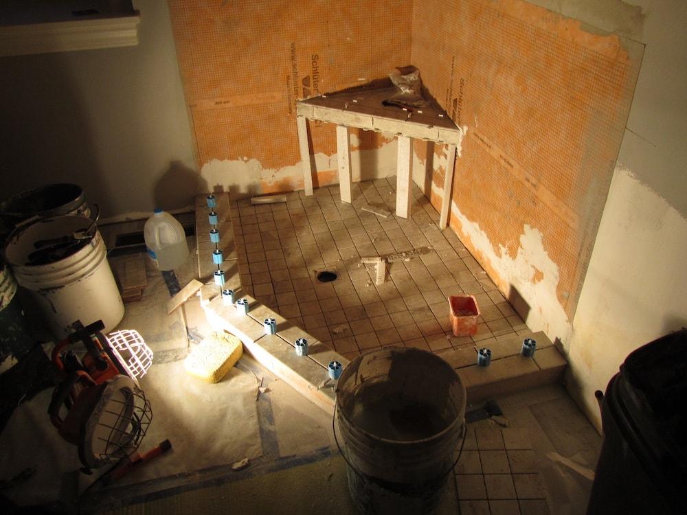 mike-marinari-IMG_0889-corner-shower-tile copy-min.jpg