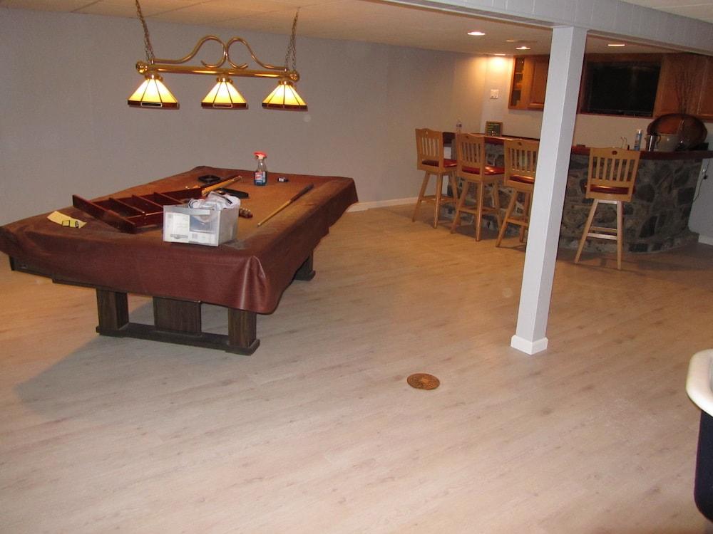 mike-marinari-basement-mannington-lvp-IMG_0846 copy-min.JPG