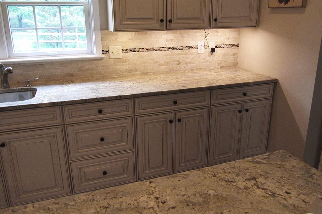 mike-marinari-1024-IMG_0909-kitchen-tile-backsplash-D&S-flooring.jpg
