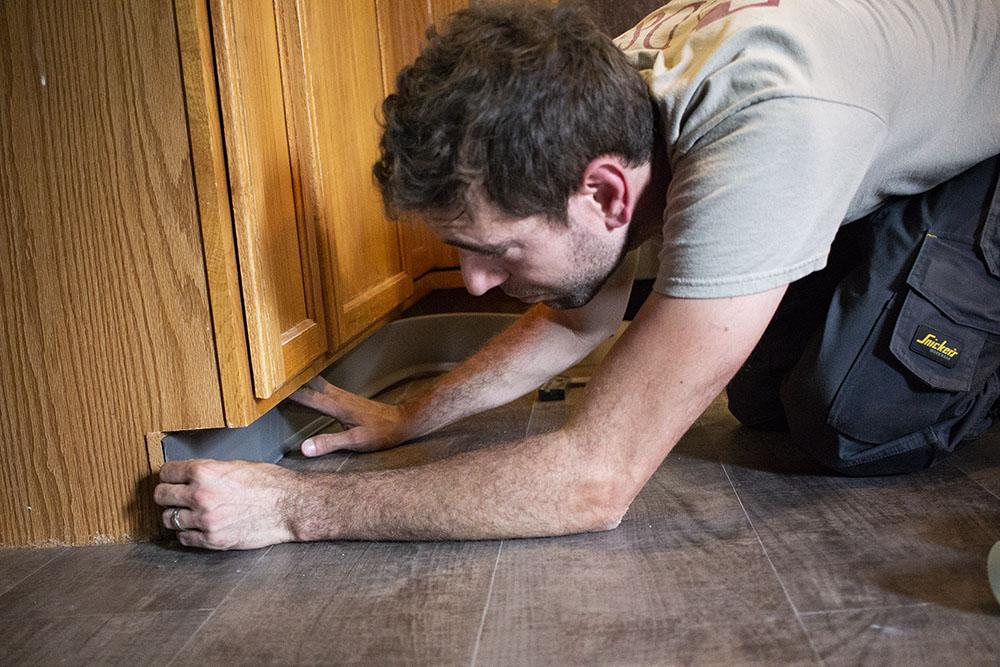 IMG_8059-josh-plank-installation-cove-base-1000-D&S-flooring.jpg
