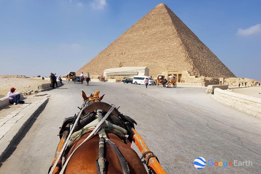 limestone-giza-pyramids-horse-august-2018-D&S-flooring.jpg