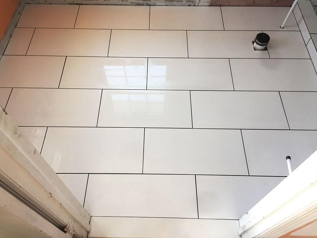 jordan-weaver-2-evans-caramic-tile-pool-house-shower-small-july-2018-D&S-flooring-min.jpg