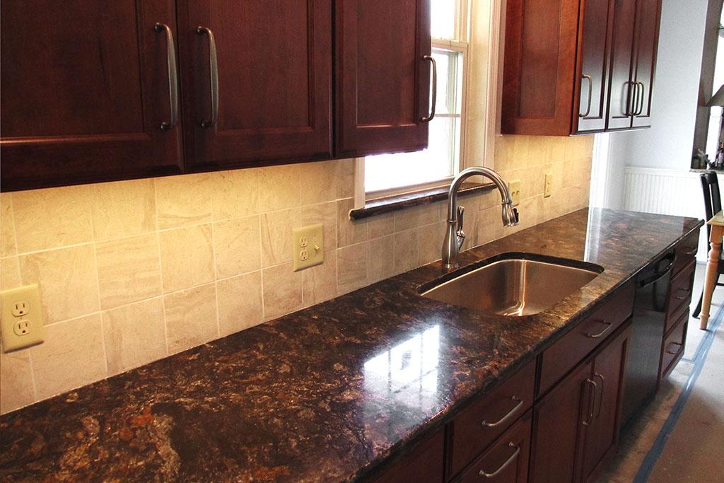 mike-marinari-1024-IMG_0853-kitchen-tile-backsplash-D&S-flooring.jpg