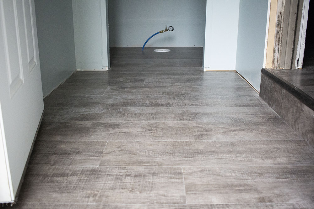 IMG_8087-mary-mudroom-armstrong-resilient-vinyl-1000-D&S-flooring.jpg