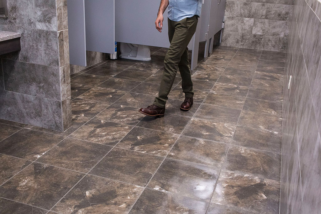 IMG_8674-web-tile-floor-bathroom-new-holland-transport-september-2018-dandsflooring.jpg