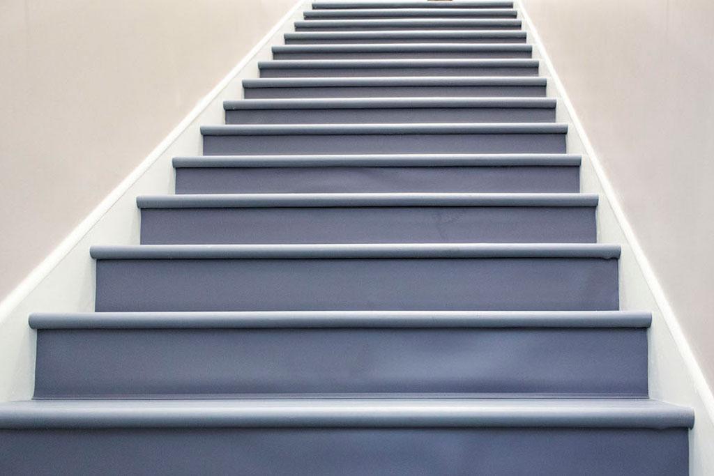 IMG_8637-web-vinyl-stair-treads-risers-new-holland-transport-september-2018-dandsflooring.jpg