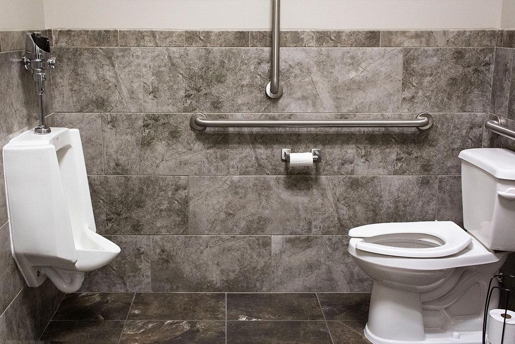 IMG_8662-web-tile-wall-floor-bathroom-new-holland-transport-september-2018-dandsflooring.jpg