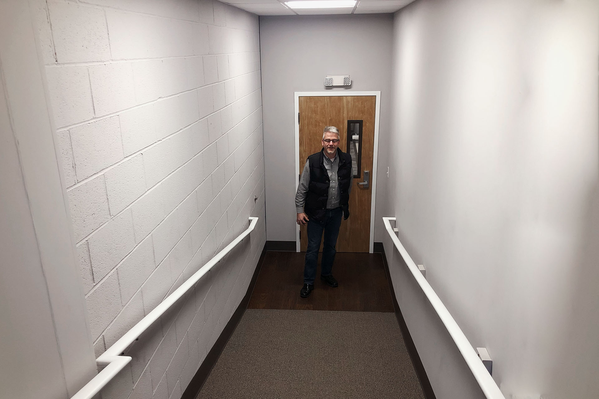 6703-2-after-derry-hallway-showroom-march-2019-dandsflooring.jpg