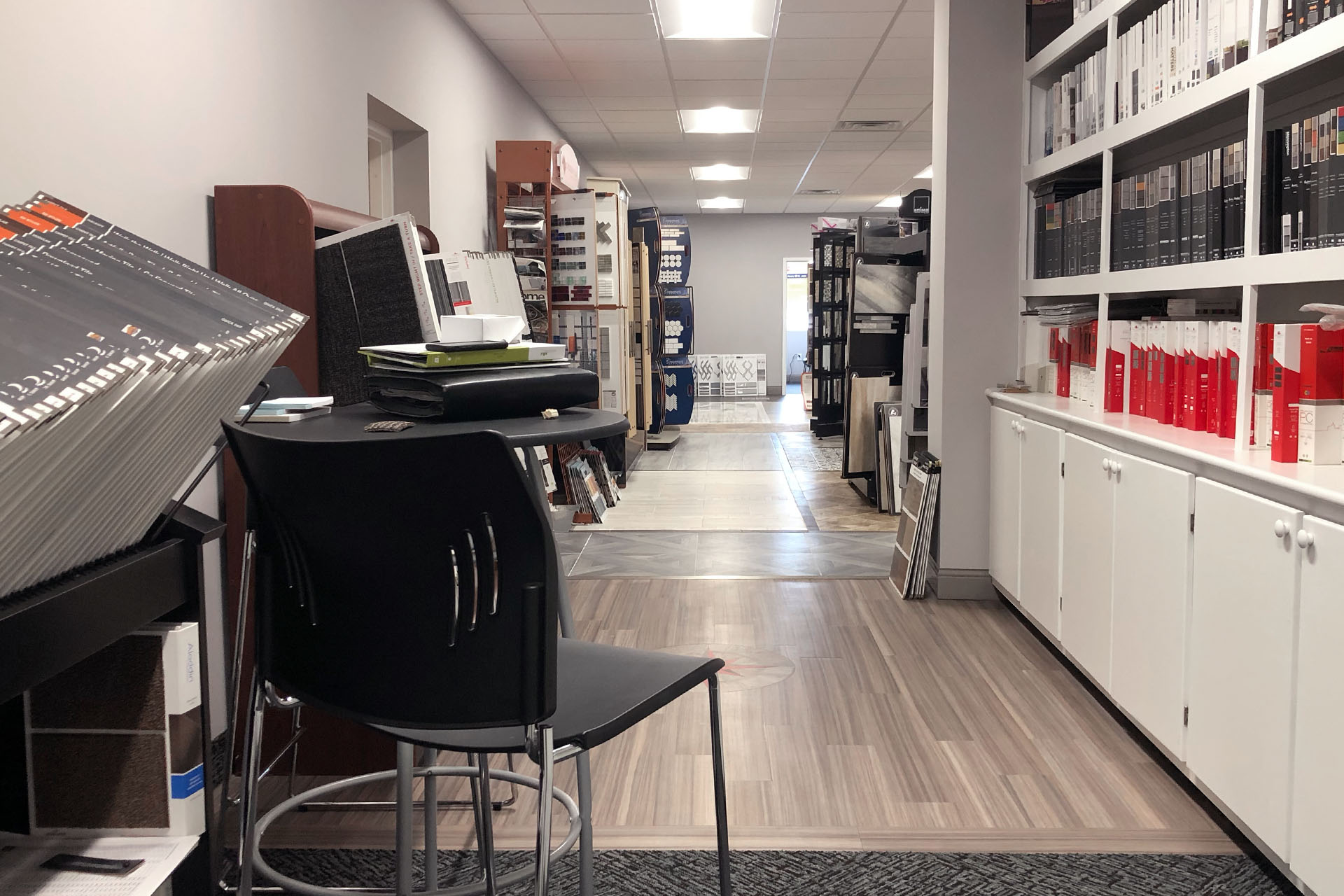 6745-2-after-commercial-showroom-March-2019-dandsflooring.jpg