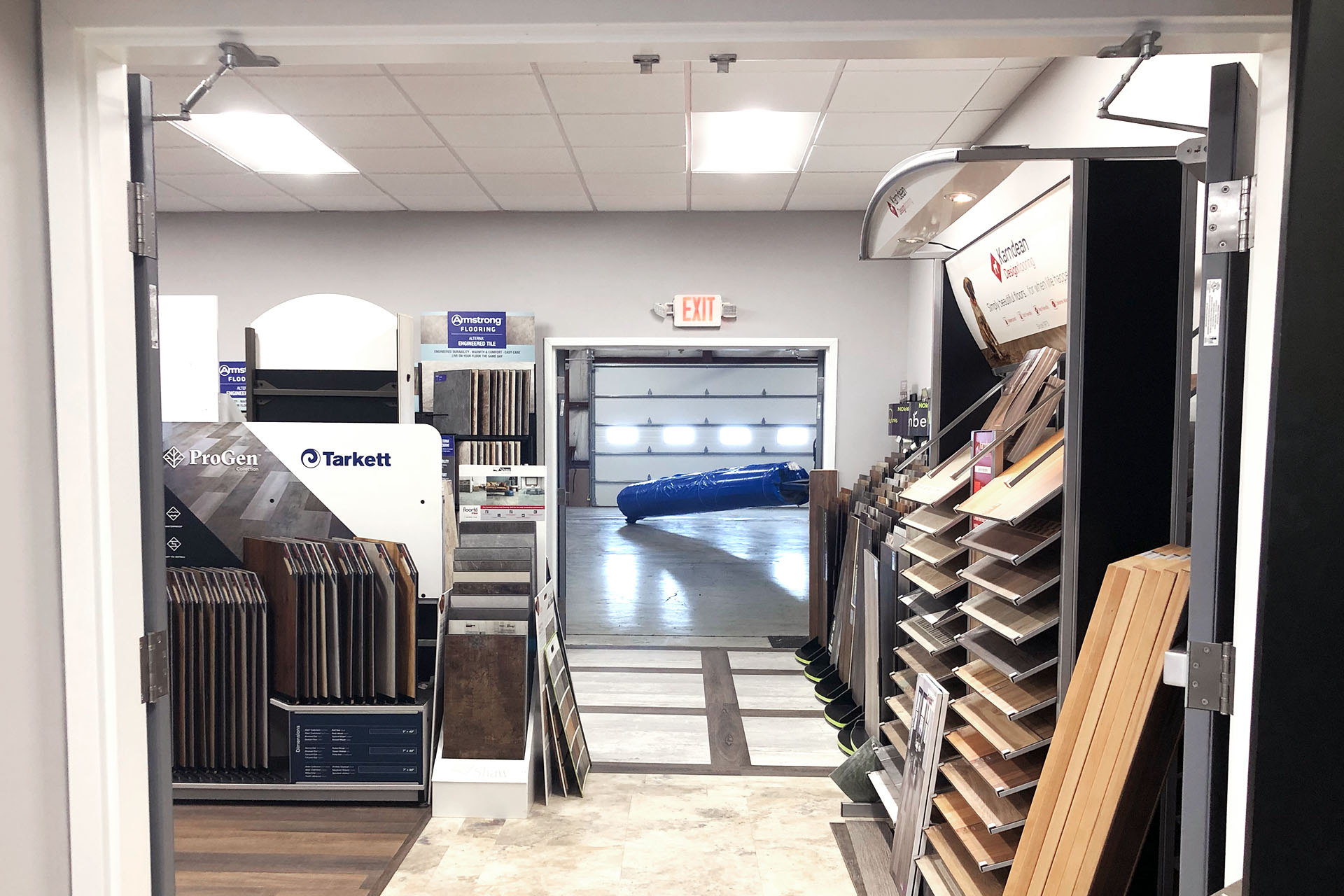 6712-2-after-vinyl-showroom-March-2019-dandsflooring.jpg