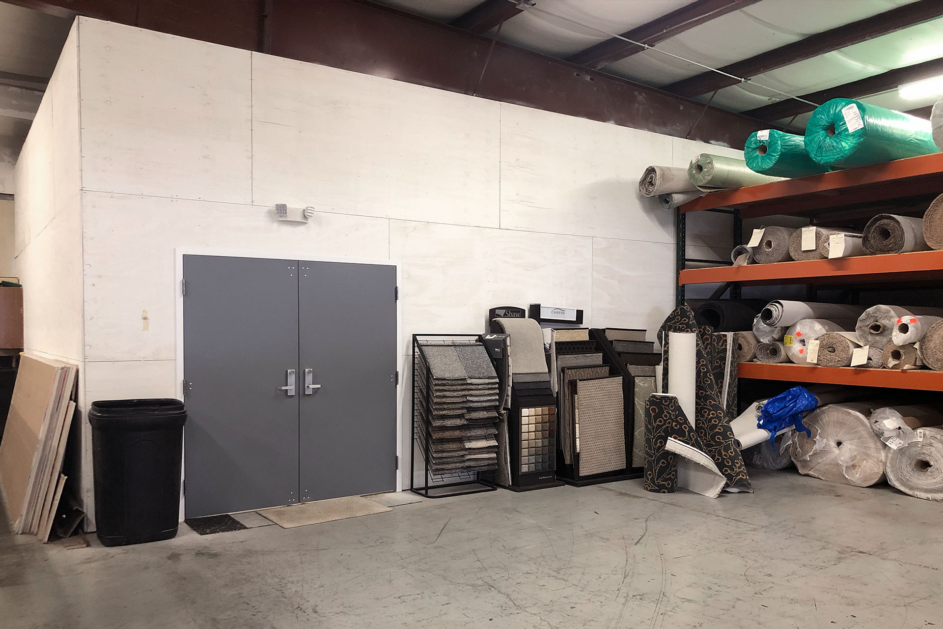 6727-2-after-vinyl-showroom-warehouse-March-2019-dandsflooring.jpg