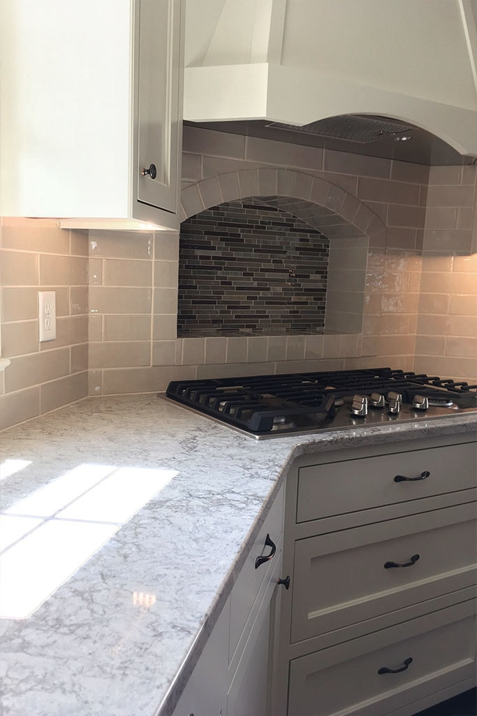 1083-tile-backsplash-web-kitchen-above-range-roger-martin-april-2019-dandsflooring-min.jpg