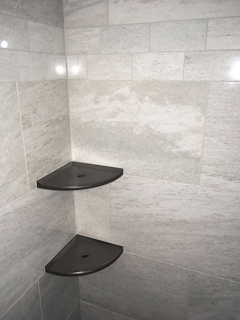 IMG_1231-tile-shower-corner-niches-gray-web-eby-roger-martin-june-2019-dandsflooring-min.JPG
