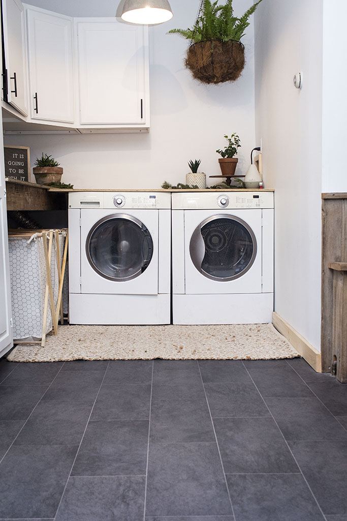 IMG_9591-sheet-vinyl-laundry-web-brownstown-pa-shenk-december-2018-dandsflooring.jpg