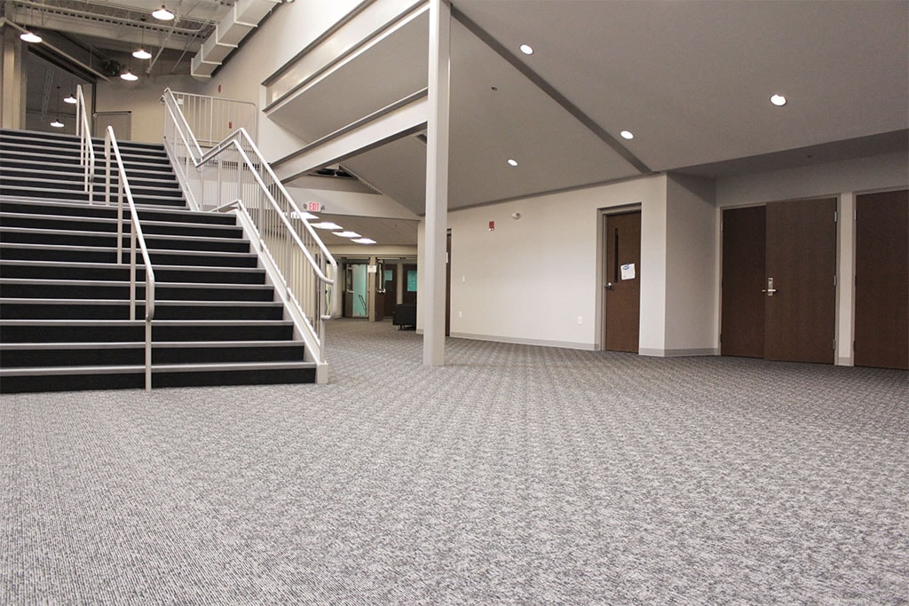 IMG_1736-web-carpet-shaw-broadloom-foyer-downstairs-ephrata-community-church-july-2019-dandsflooring-min.jpg