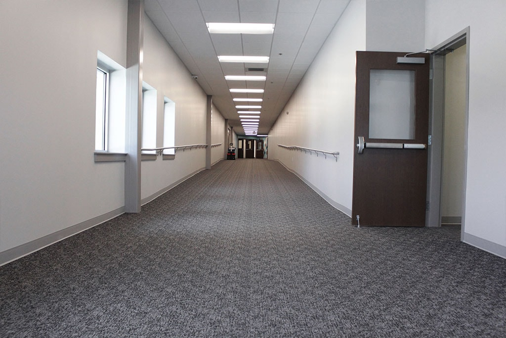 IMG_1813-web-carpet-broadlooom-hallway-gray-ephrata-community-church-july-2019-dandsflooring-min.jpg