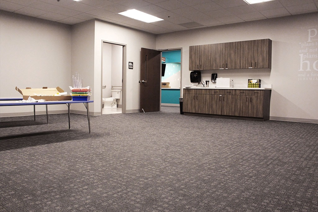 IMG_1767-web-carpet-tile-classroom-1-ephrata-community-church-july-2019-dandsflooring-min.jpg