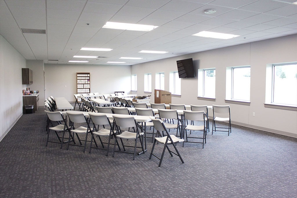IMG_1794-web-carpet-tile-gray-classroom-8-ephrata-community-church-july-2019-dandsflooring-min.jpg