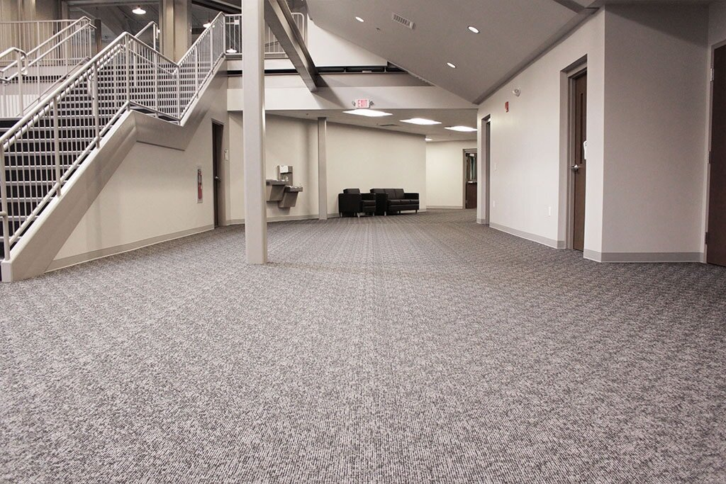 IMG_1737-web-carpet-shaw-broadloom-foyer-downstairs-hallway-ephrata-community-church-july-2019-dandsflooring-min.jpg