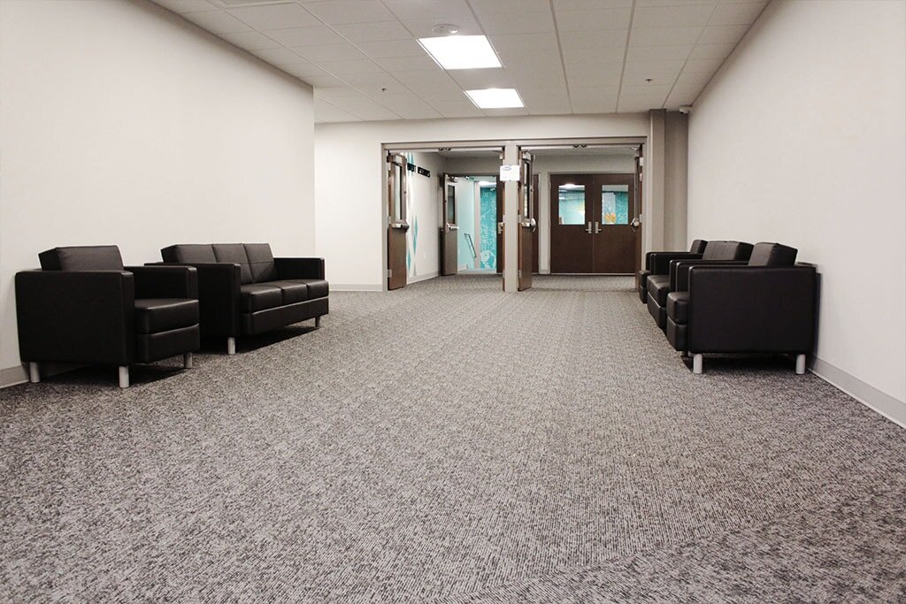IMG_1738-web-carpet-shaw-broadloom-hallway-ephrata-community-church-july-2019-dandsflooring-min.jpg