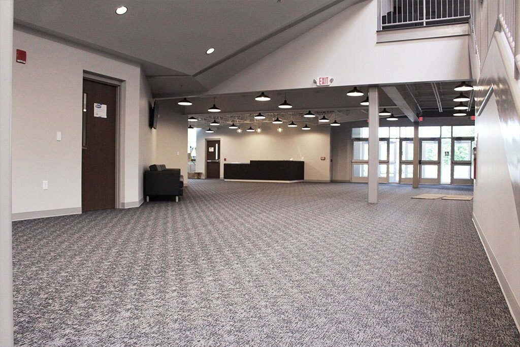 IMG_1824-web-carpet-broadloom-gray-foyer-ephrata-community-church-july-2019-dandsflooring-min.jpg