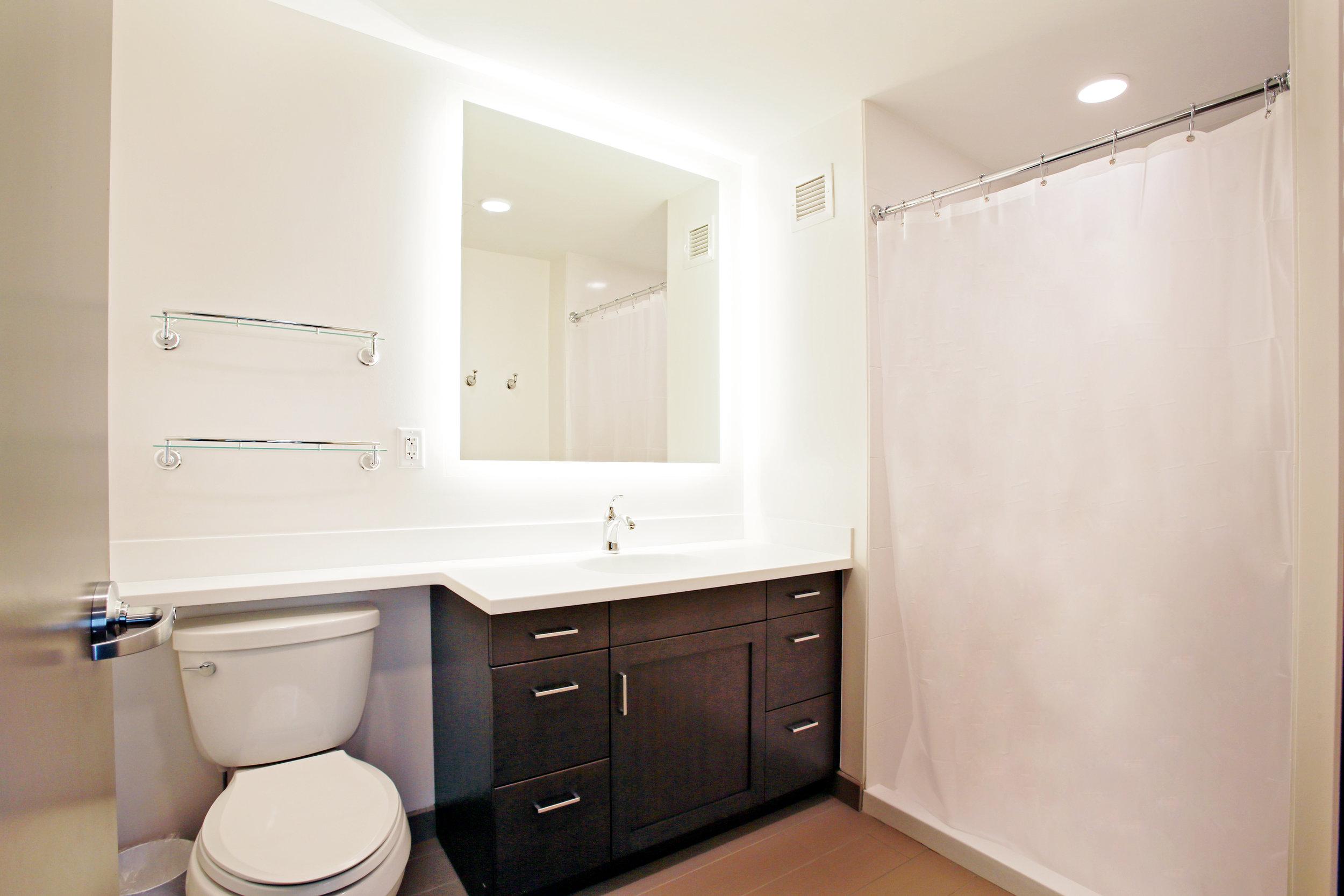 Suite Bathroom 2.jpg