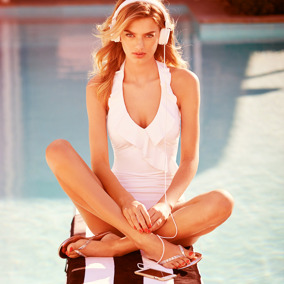 bregje-heinen-for-white-house-black-market-summer-collection-2015-4.jpg