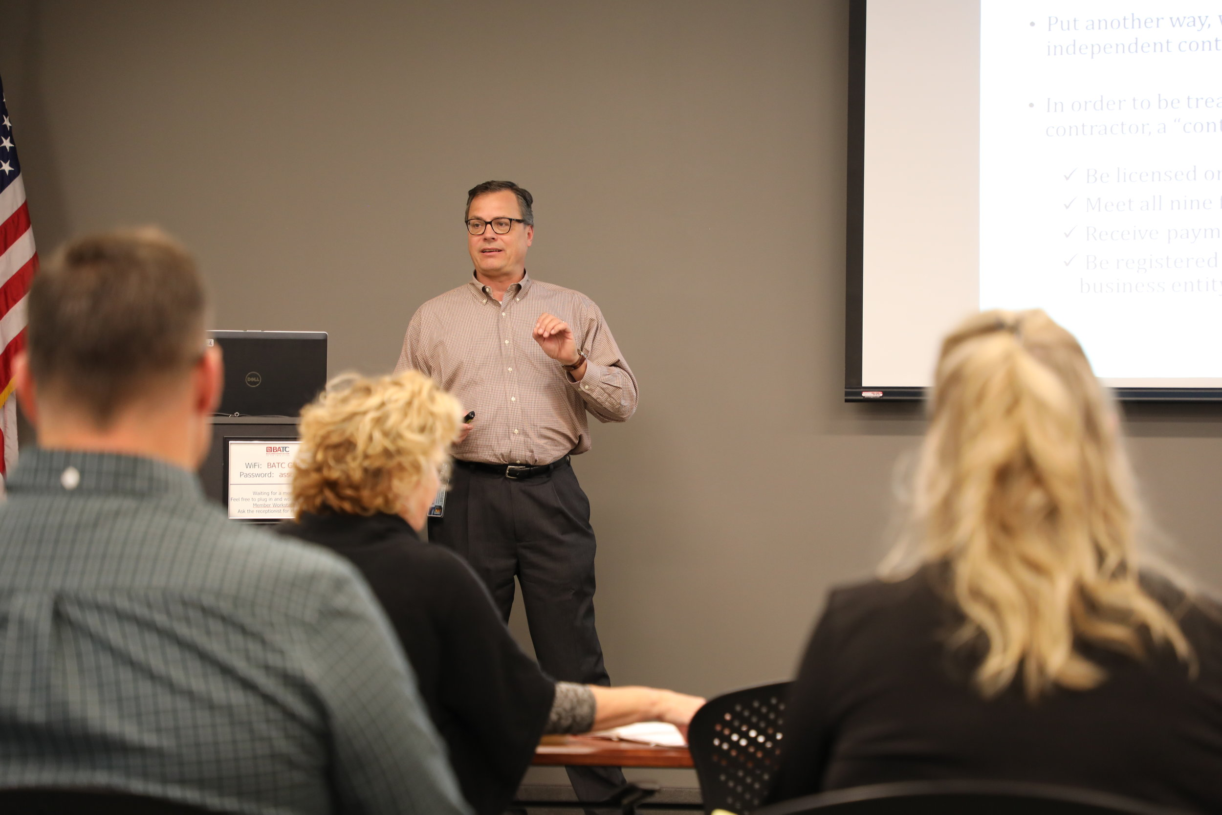 Charlie Durenberger, director of licensing and enforcement, Minnesota Department of Labor & Industry, discusses contractor registration with Housing First Minnesota subscribers.