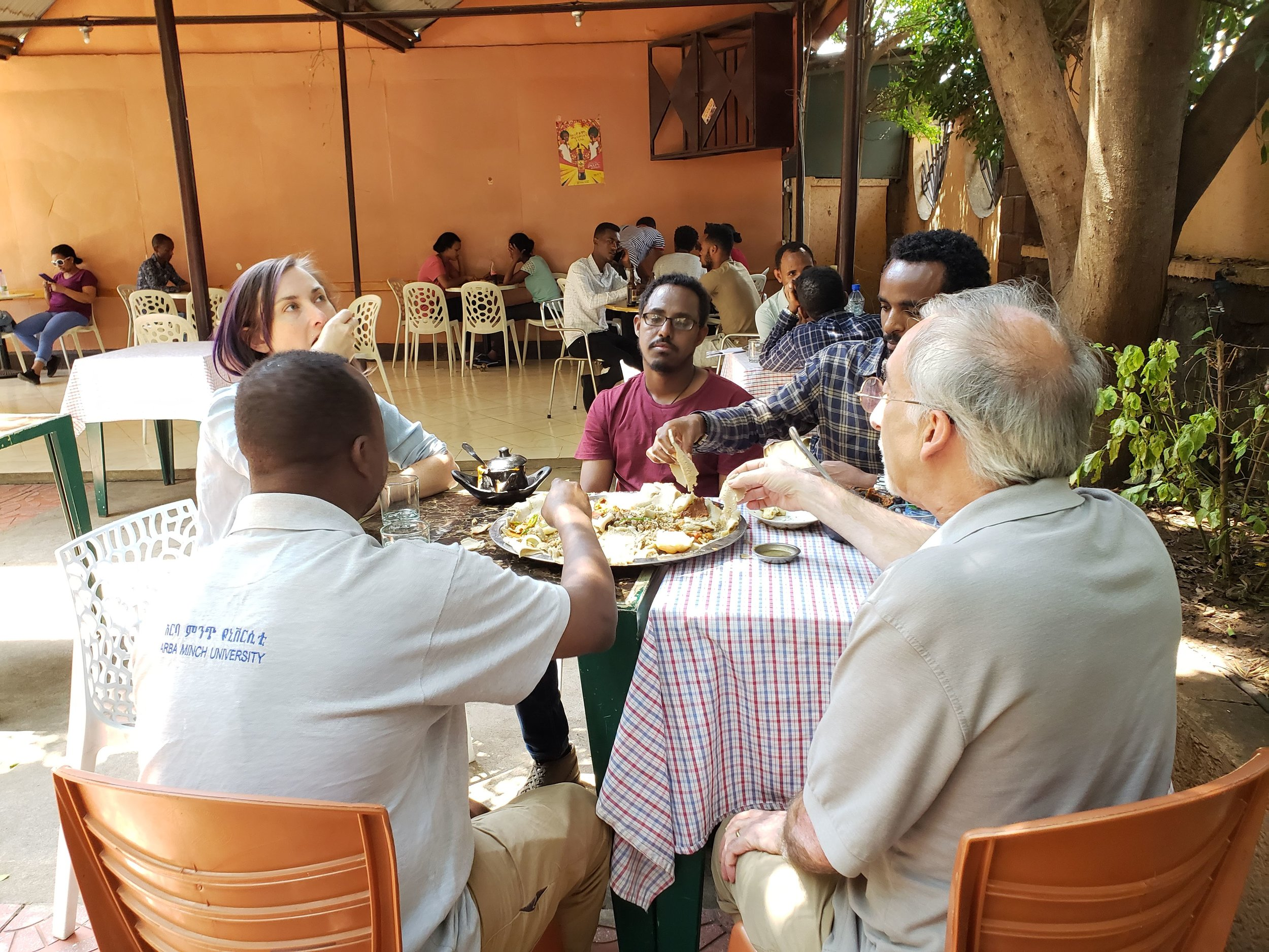 Eat a traditional lunch with participants of the workshop.