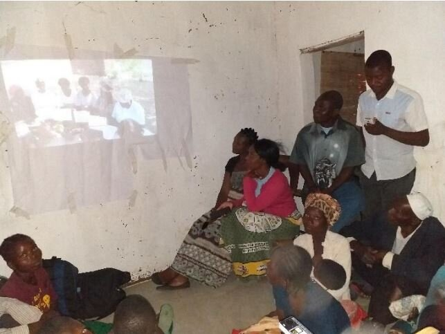 Video screening session at Mandaliza village, TA Ndindi