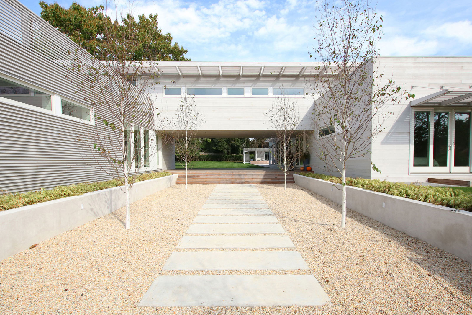 02_Bridgehampton House-entry.jpg