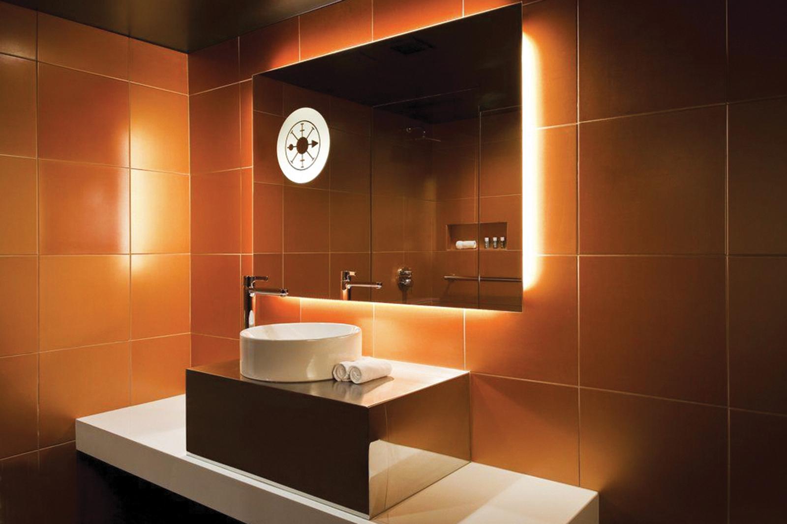 05_W French Quarter-Bathroom_01.jpg