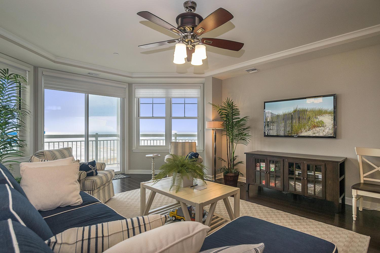 grand diamond beach living room unit 611