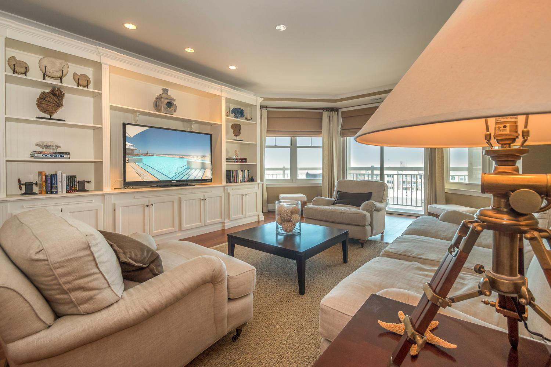 grand diamond beach living room unit 608