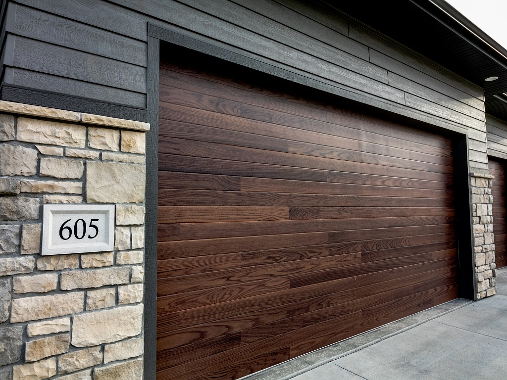 605 E Pinehurst - Redwood - Exterior 5.jpg