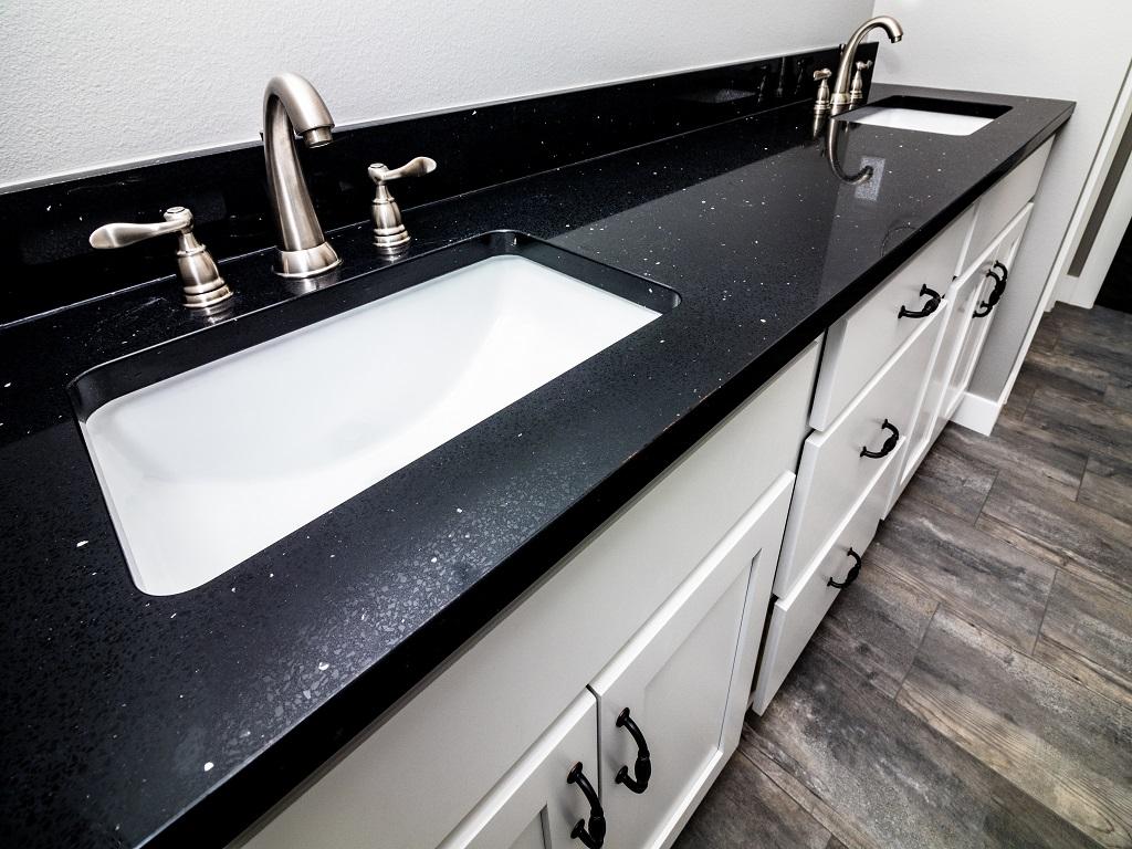 6750 Brookside Ct - Redwood - Bathroom 2.jpg