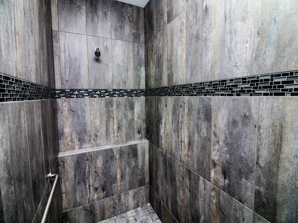 6750 Brookside Ct - Redwood - Bathroom 4.jpg