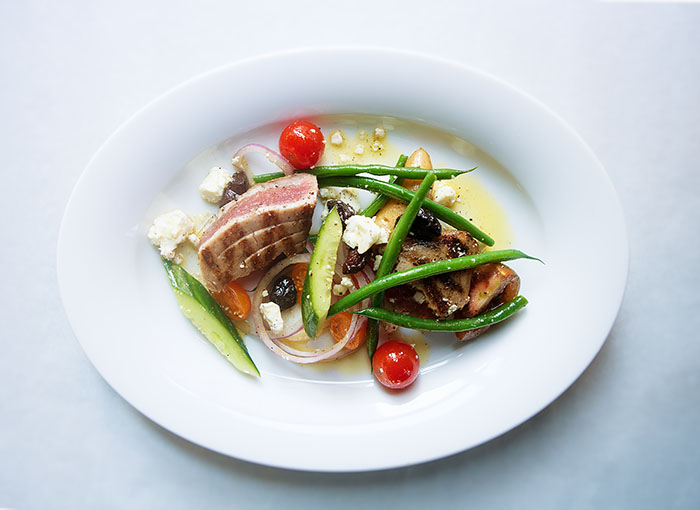 greek tuna nicoise small.jpg