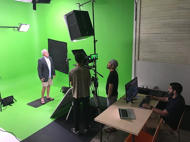 Live broadcast via TriCaster with our consultant Jeff Clark. Clark abides by our very strict Arizona summer dress code - Business on the top, party on the bottom.