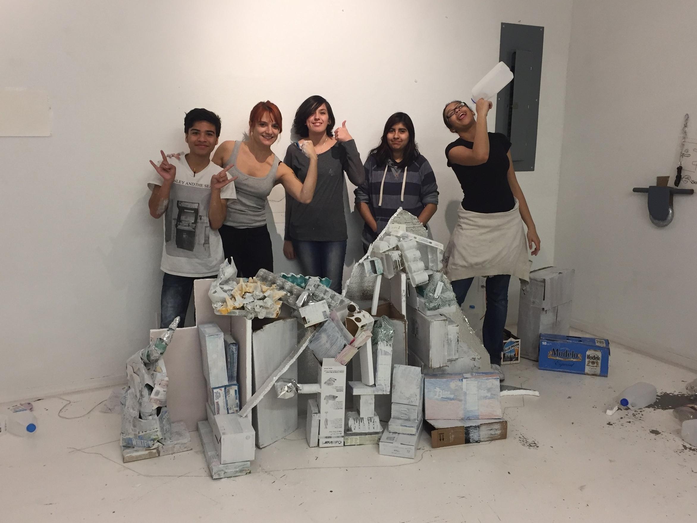 High School students help build an iceberg with  Claudia Bitran  (RAiR 2016-17)