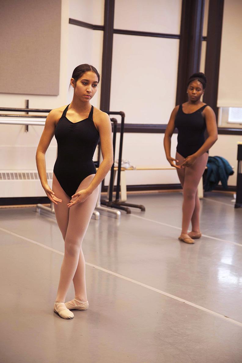 Sophomore Ballet Students in Class 0218 Bradshaw WEB.jpg